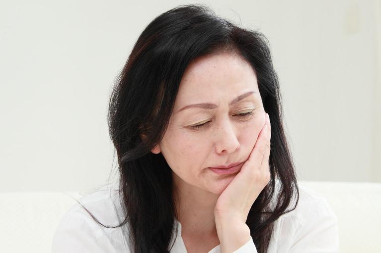 抜歯即時埋入法:すぐに噛めるようになるインプラント治療